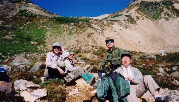 鑓温泉から大出原で一休み 20903mの鑓ヶ岳へ登る