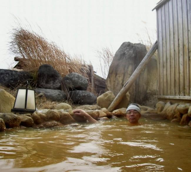 濁ったお湯の露天風呂