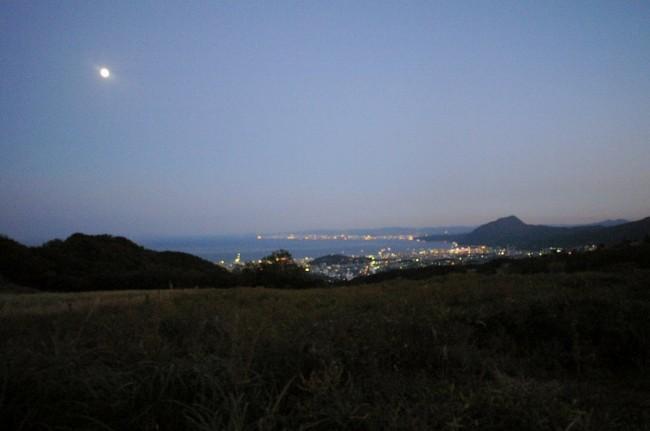 月夜に別府の明かりが綺麗