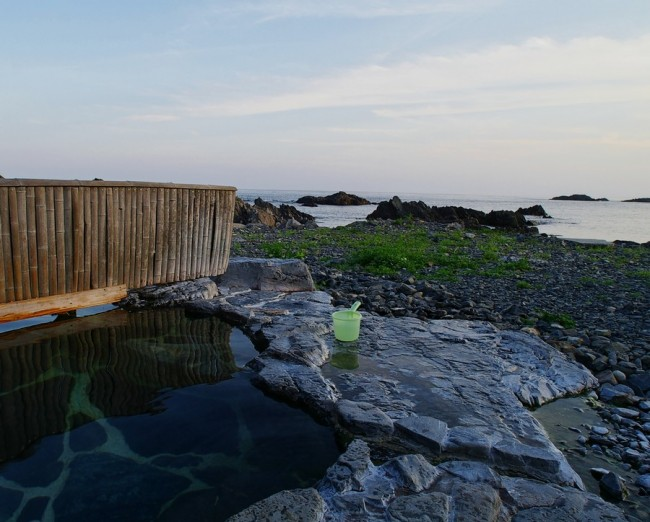 露天風呂からは海が一望