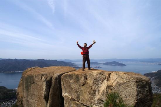 ドン亀岩の上で