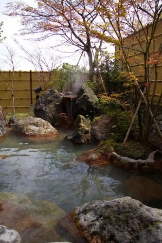 堀田温泉の露天風呂