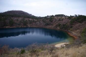 不動池 韓国岳登山口にある