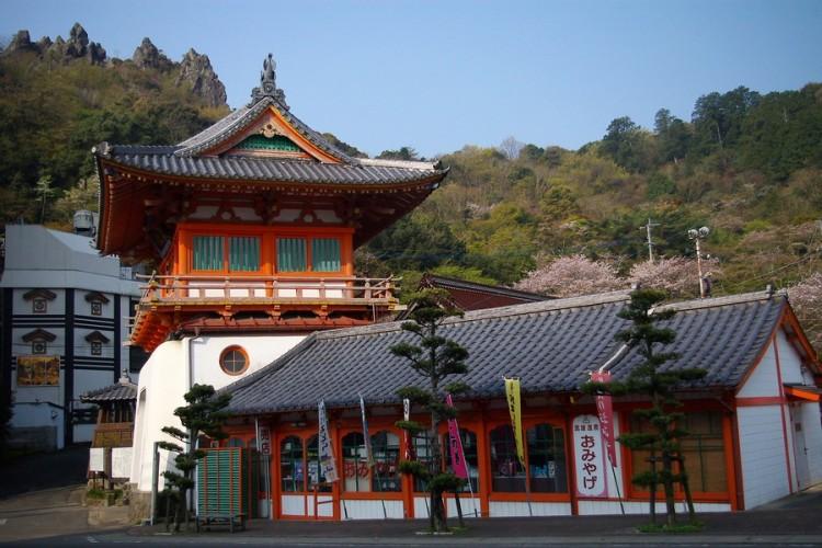 武雄温泉の入口