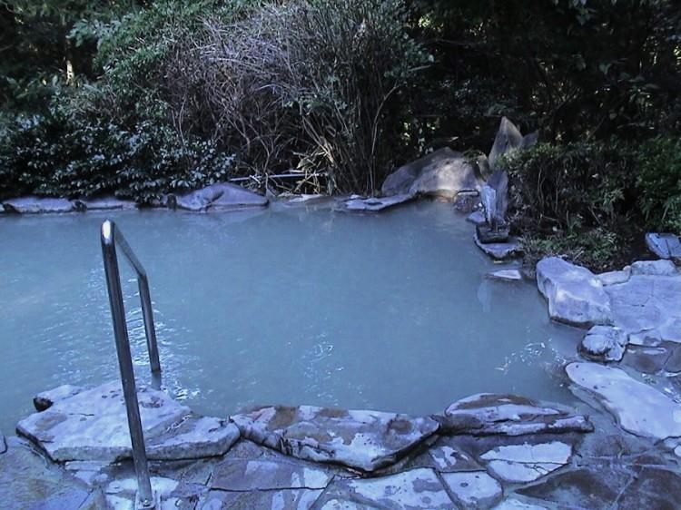 白濁した露天風呂