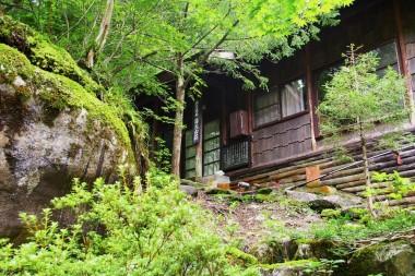 山荘から下ると露天風呂