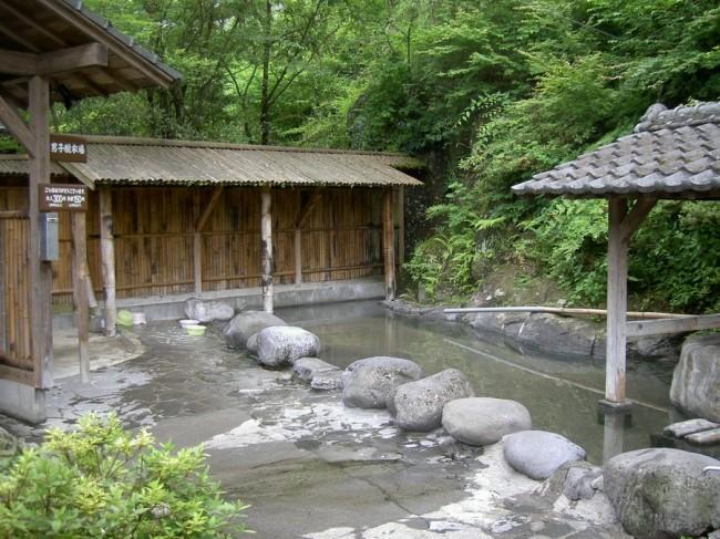 なかなか雰囲気の良い露天風呂