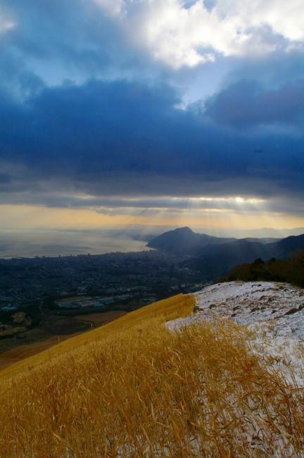 雪の大平山に早朝登山