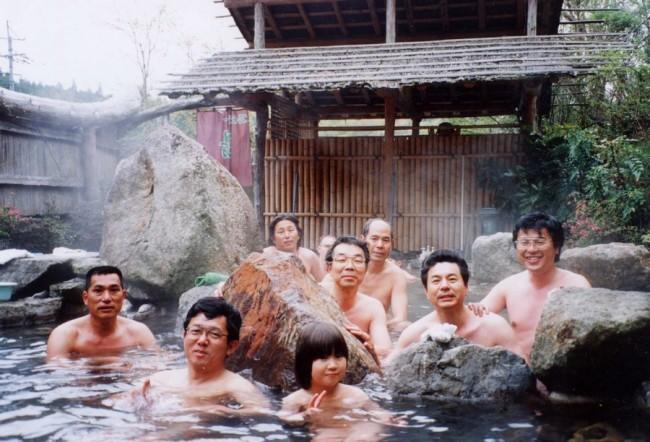 1993/05/01 露天風呂に全員で