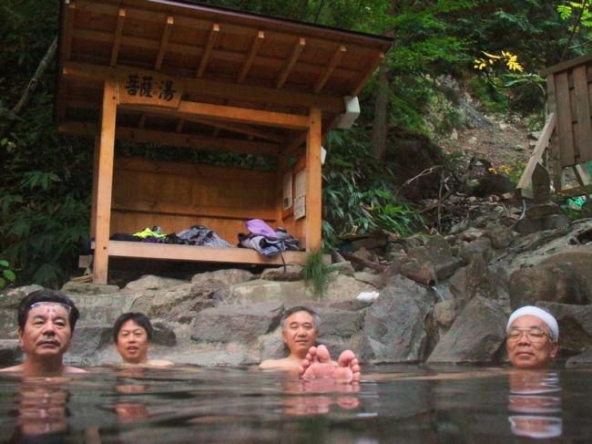 森の中にある露天風呂