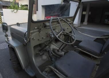 左ハンドルの運転席廻り