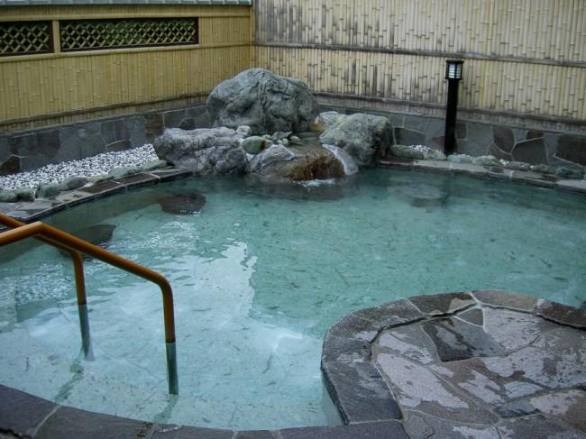 大きな露天風呂がある