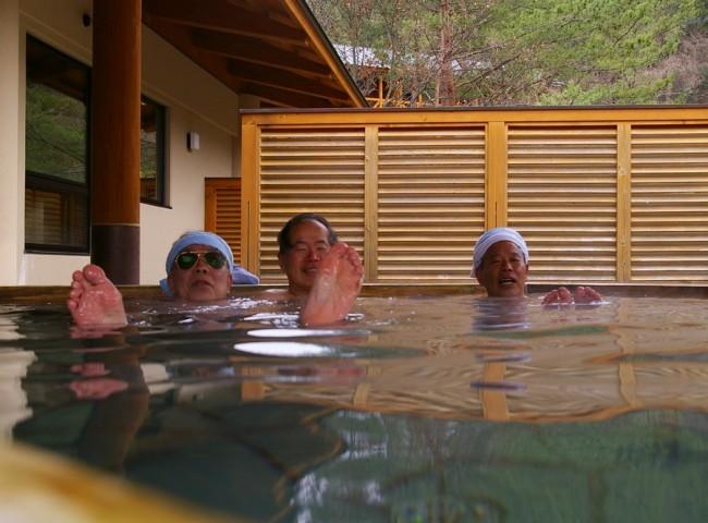 大きな露天風呂でゆっくりと・・・登山の疲れが取れます