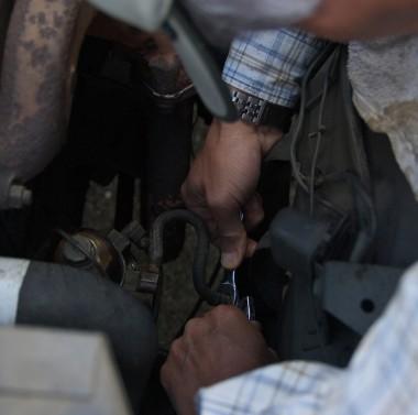 燃料ポンプを解体