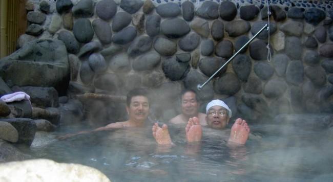 ちょっと眺めは良くないが熱いお湯が気持ち良い
