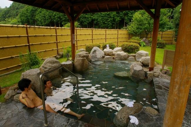 庭園の中の露天風呂はなかなか良い
