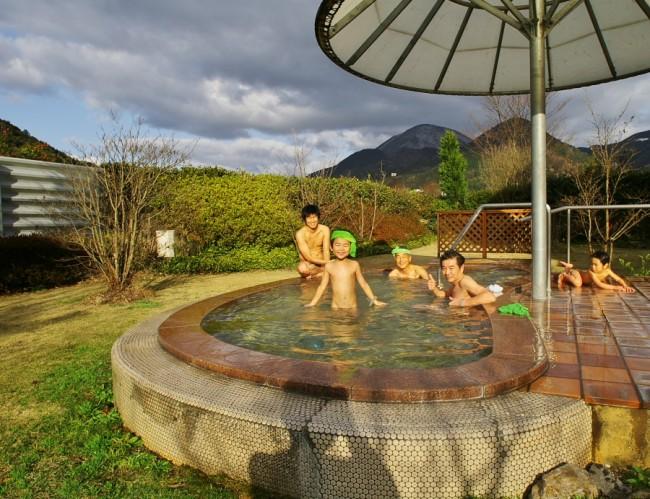 庭園の露天風呂はなかなか気持ちがよい
