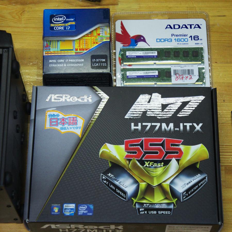 Mini-ITXのマザーでPCを組立