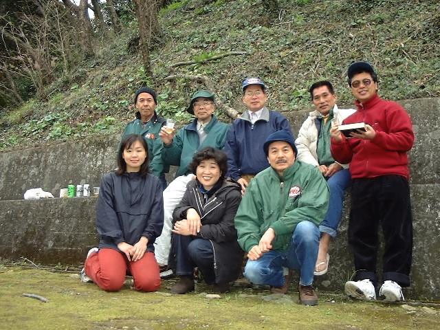 伊予長浜の住吉公園に登ります