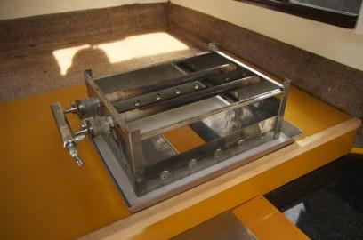 バーナーはオデン鍋用を流用 下には石綿版を敷く