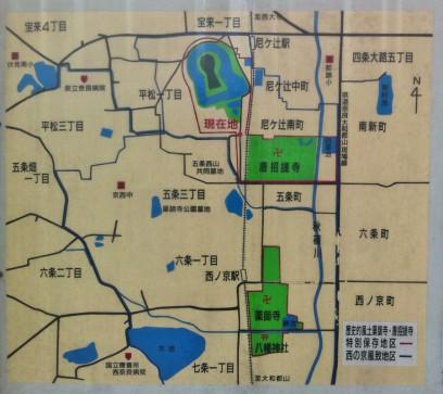 周囲の地図です