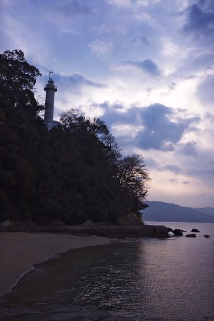 遊歩道からの宇品灯台