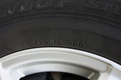 スタッドレス 215/70R15