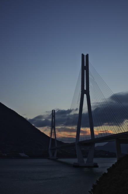 夜明けの多々羅大橋