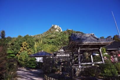 9:03 天徳寺の左側から登山道