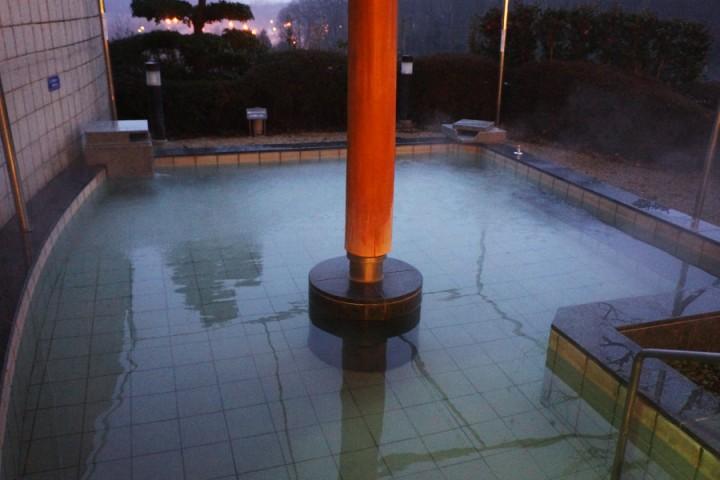 洋風の露天風呂