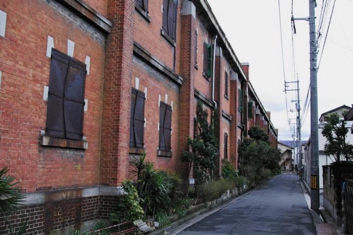 我が家の近くにある旧陸軍 被服廠建屋 利用されず放置