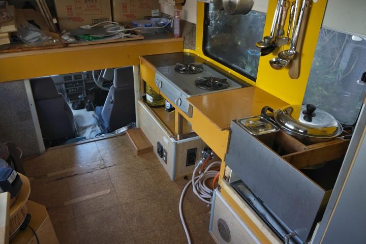 再びキッチンカーに改装