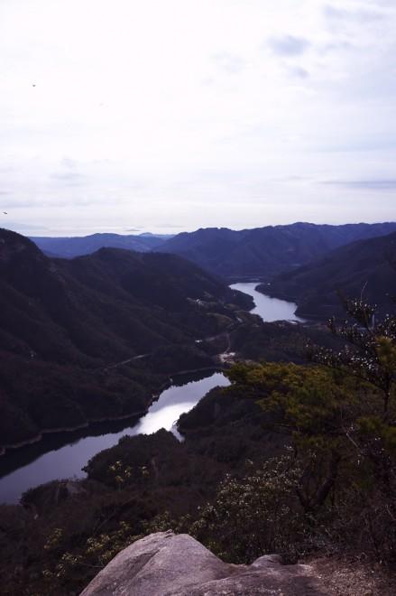 山頂から瀬戸内海が見終える 少しゆっくりと休憩します