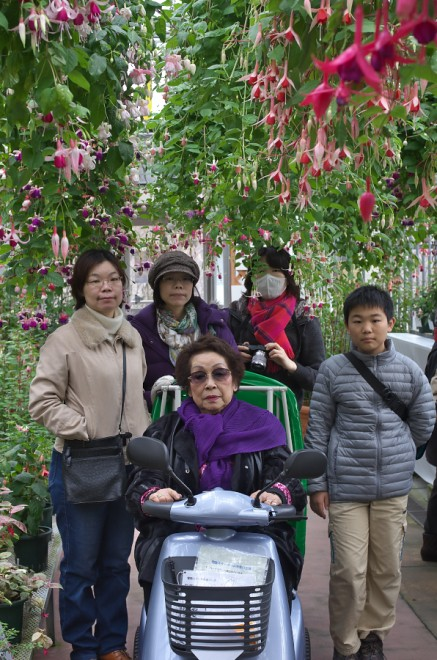 母と娘と孫と植物園で
