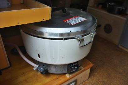 オークションで落札(¥4000)の4升炊(8L)をテスト炊飯