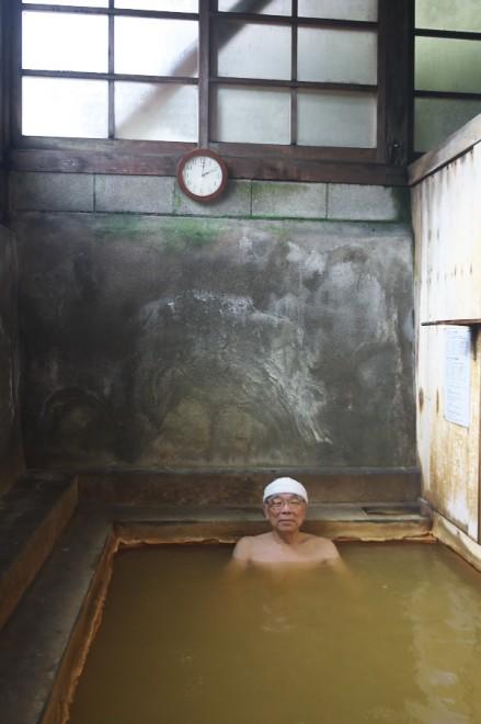 久しぶりの千原温泉 ぬるい炭酸泉をゆっくりと賞味