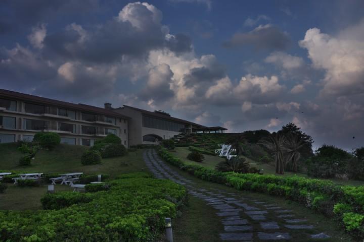 日本海の絶景を眺める露天風呂
