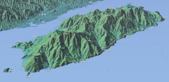 宮島はほとんどが原生林で険しい山々が続きます