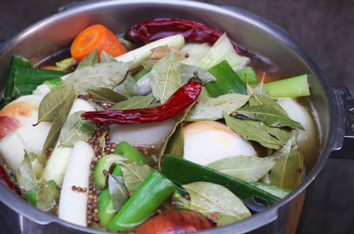 第一ステップのスープに煮込み開始