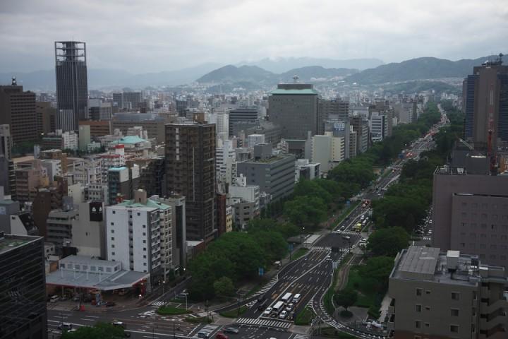 広島の百米道路を眺めながら