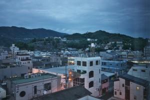 ホテルの窓から八幡浜の町