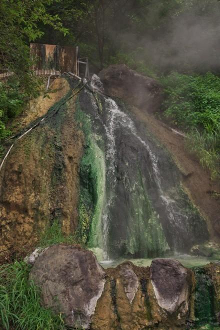 姫川温泉には源泉が溢れていた