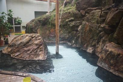 朝日旅館の岩風呂