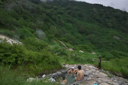 野天風呂は男女混浴 薬師湯