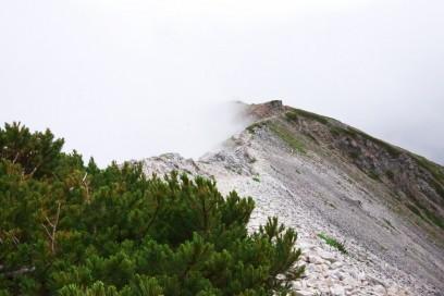14:23 白馬岳への稜線