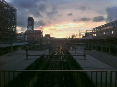 今日はご以前中は大雨、小倉駅ではちょっと夕焼