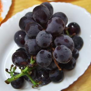 小倉のKGAさんから葡萄を・・美味しい