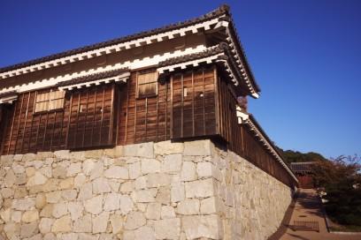 松山城は広い城郭がある