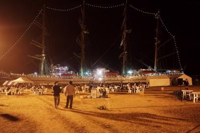 帆船がイルミネーション