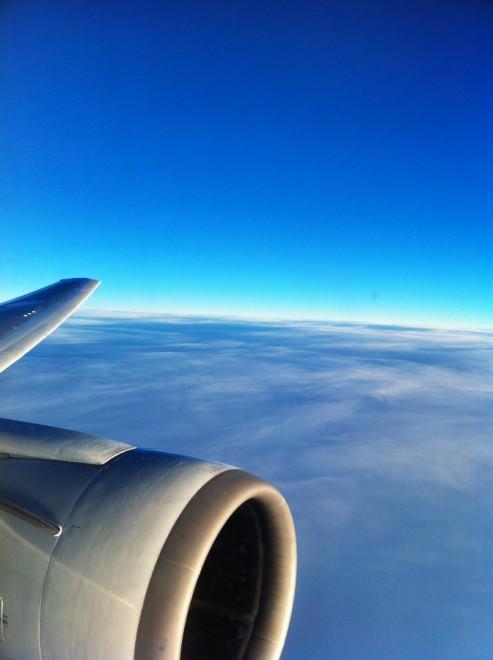 ANA 767-300 下は雲海